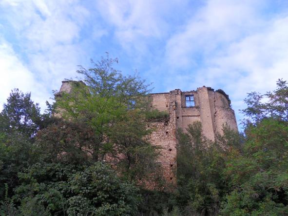 chateau-spectacle-theatre-de-la-terre.jpg