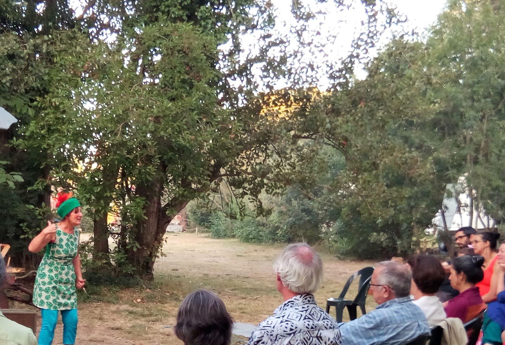 vernet d'ariège; l'homme qui plantait des arbres. roulott'spectacles. théâtre de la terre