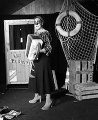 spectacle-theatre-de-la-terre-monique-razorback