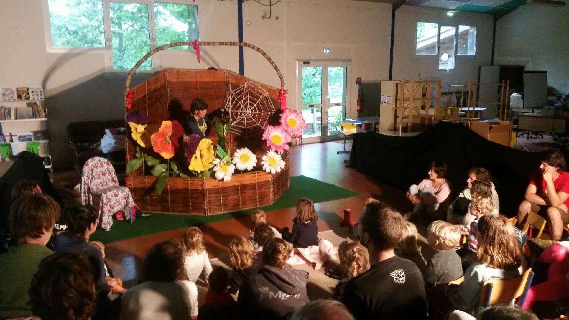 roulott'spectacles 2021 theatre de la terre ariège alzen
