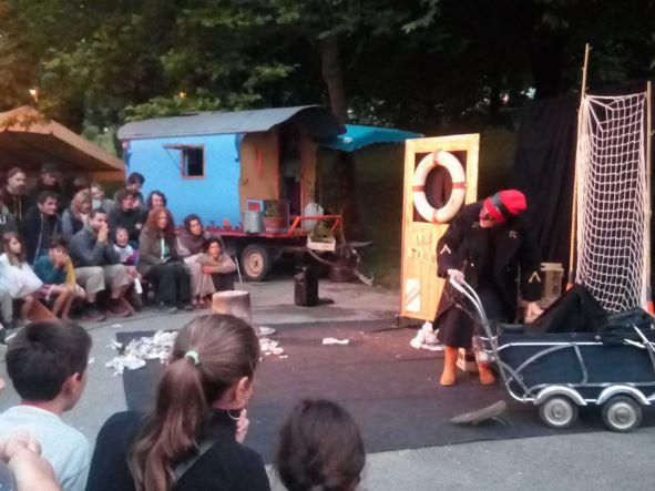 roulott'spectacle 2021. theatre de la terre. ariège; massat
