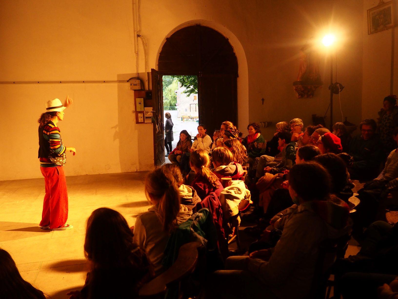roulott'spectacles 2021. theatre de la terre. Ariège.